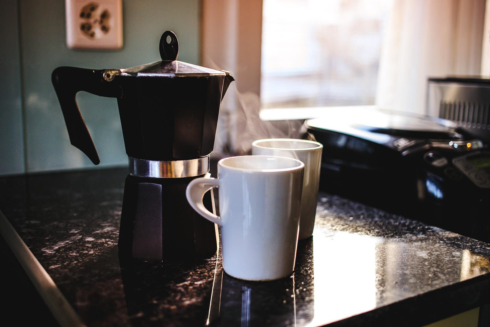 How to Make Coffee With a Moka Pot – The Complete Guide